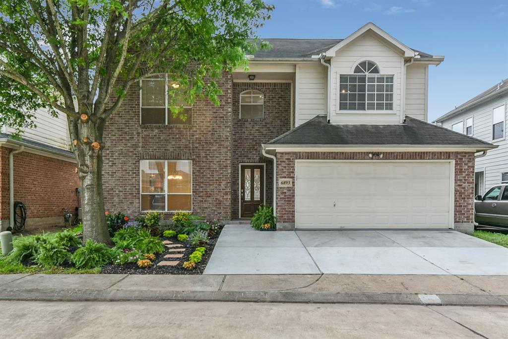 6893 Turtlewood Drive Property Photo - Houston, TX real estate listing