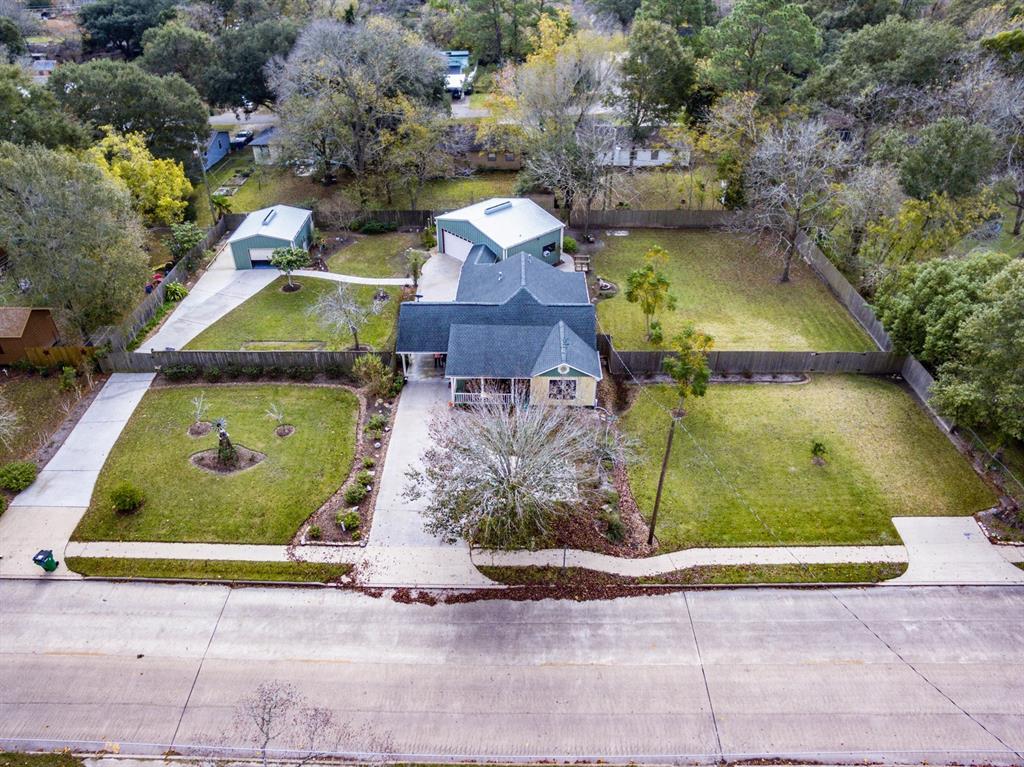 Akers Angleton Real Estate Listings Main Image