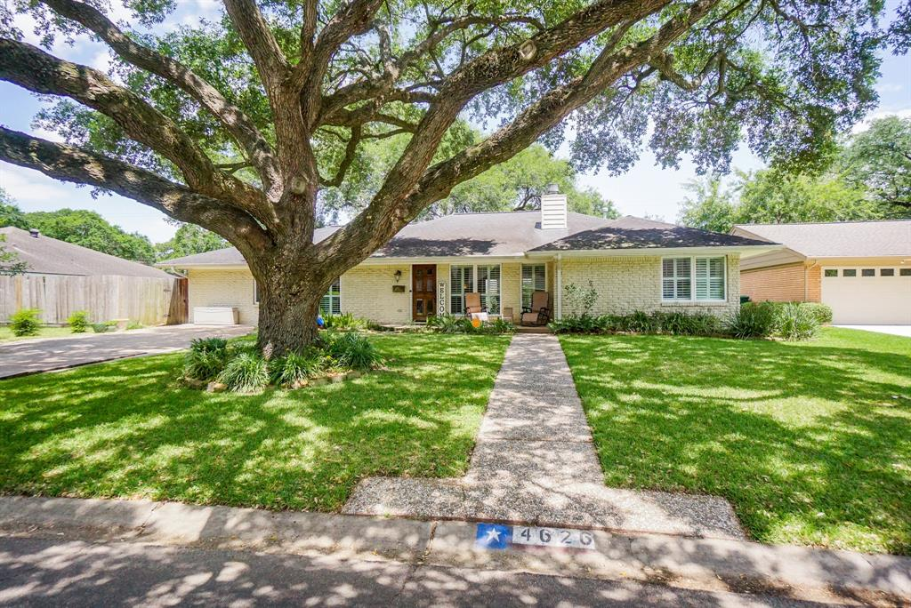 4626 Briarbend Drive Property Photo - Houston, TX real estate listing