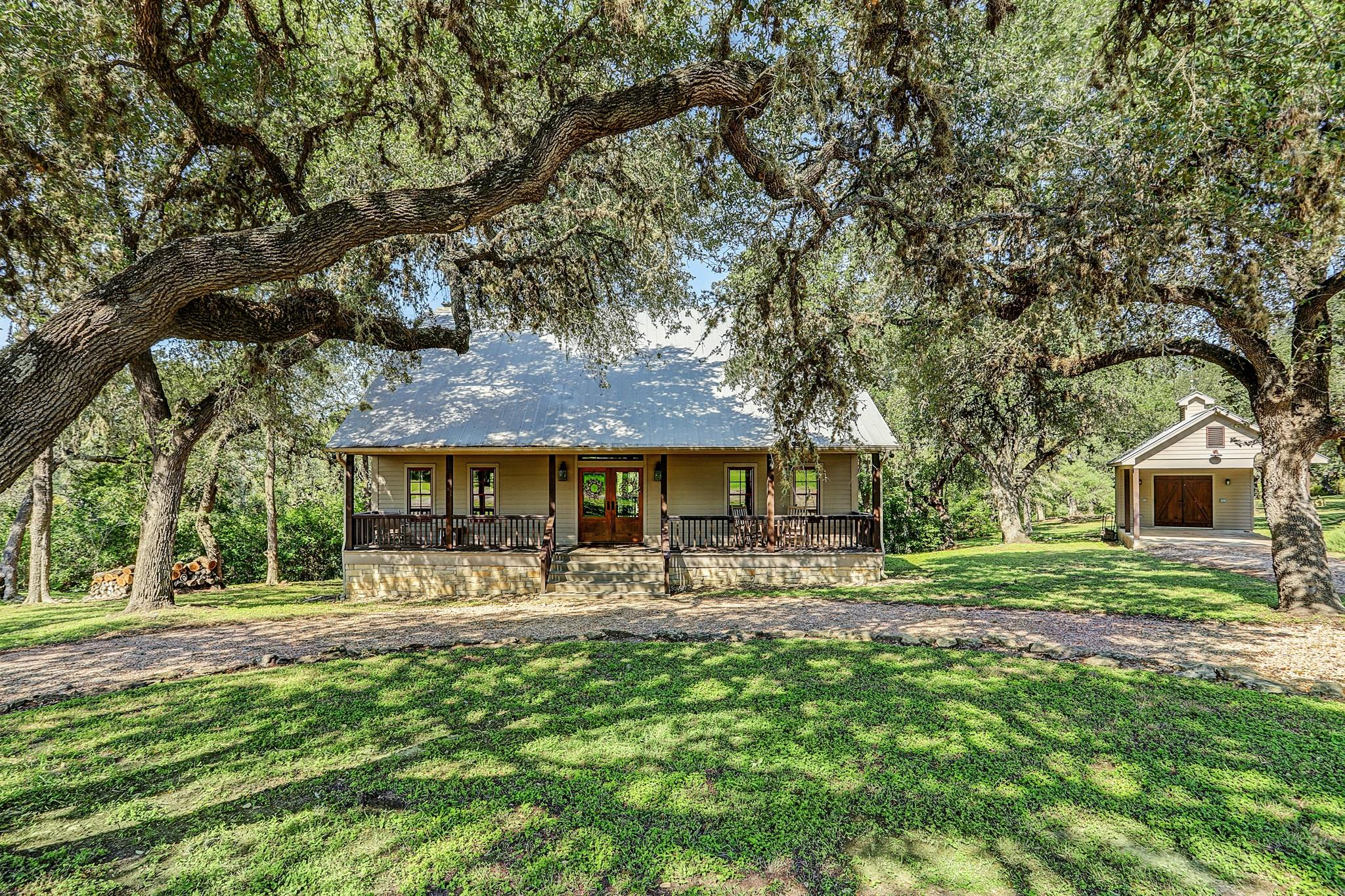 171 Cummins Creek Way Property Photo - Round Top, TX real estate listing