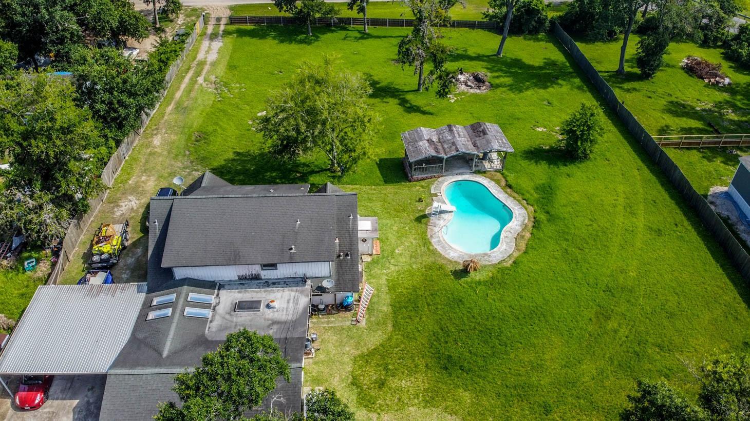 106 Lakeside Drive Property Photo