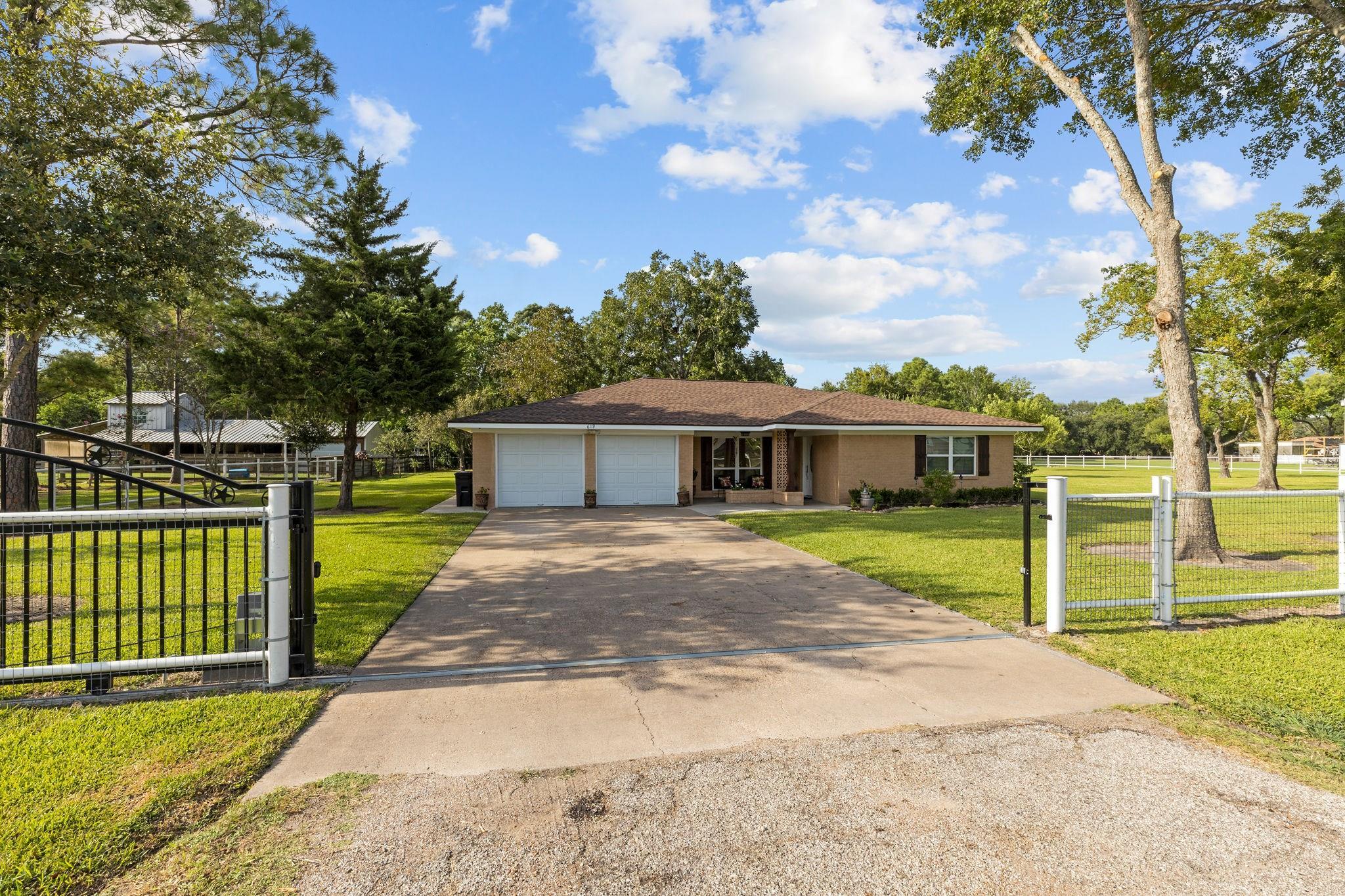 6119 Boxwood Street Property Photo - Brookside, TX real estate listing