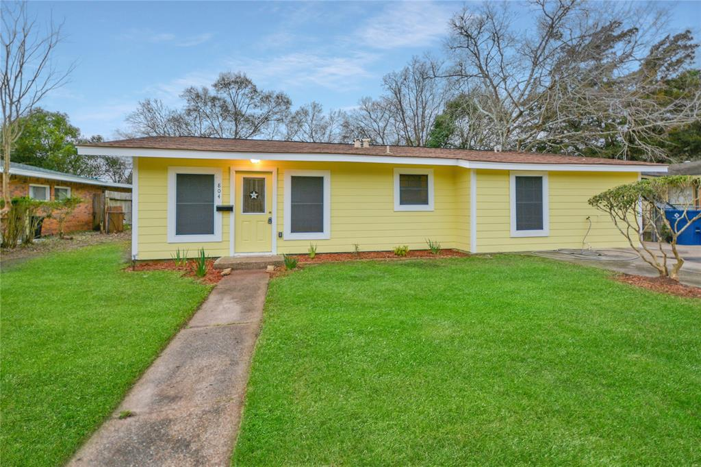 804 E Wilkins Street, Angleton, TX 77515 - Angleton, TX real estate listing