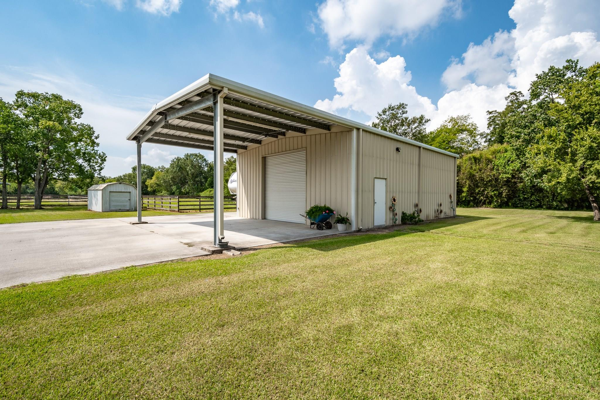 701 Battlebell Road Property Photo - Highlands, TX real estate listing