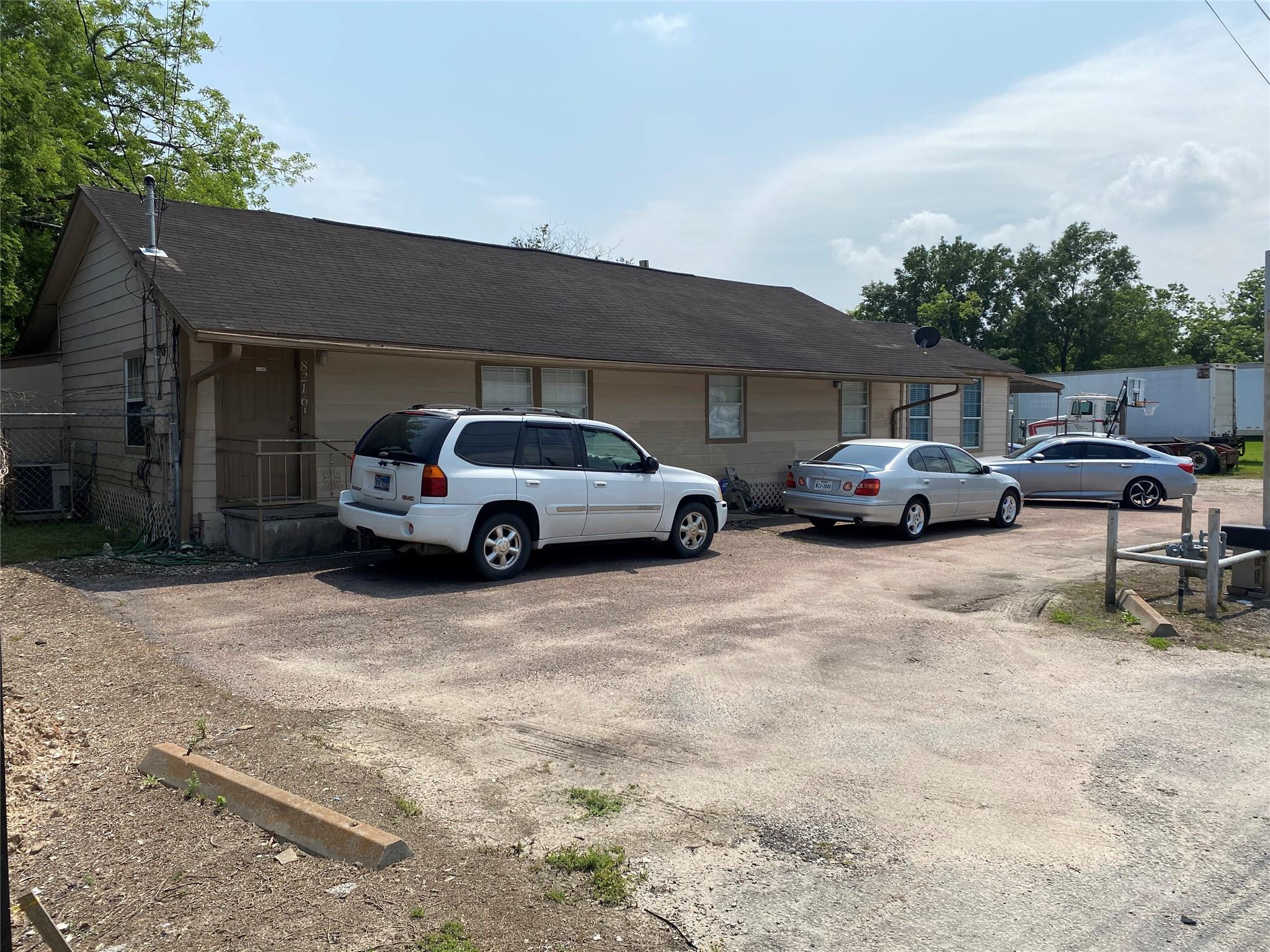 8216 E Houston Road Property Photo