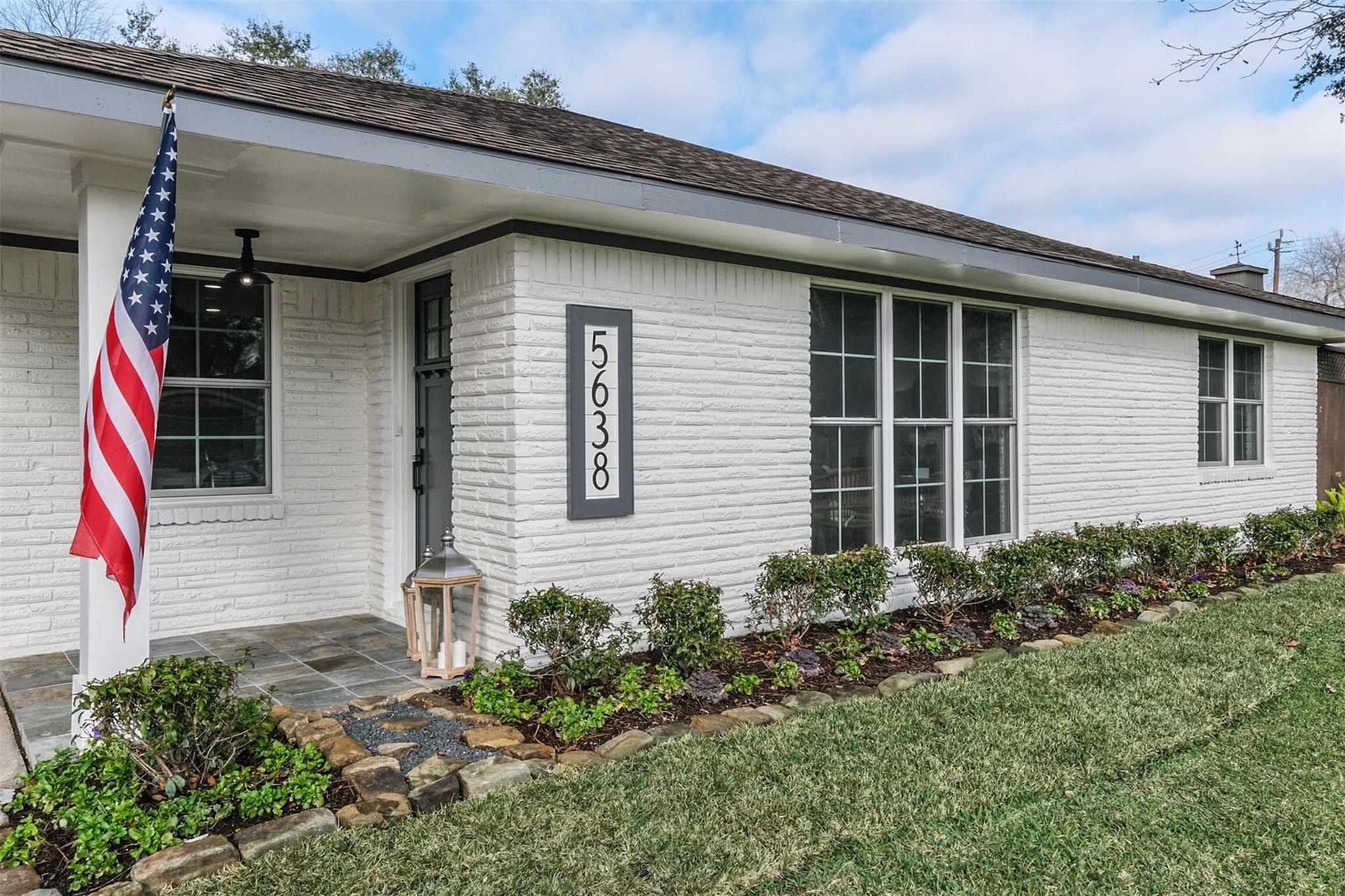 5638 Warm Springs Road Property Photo - Houston, TX real estate listing