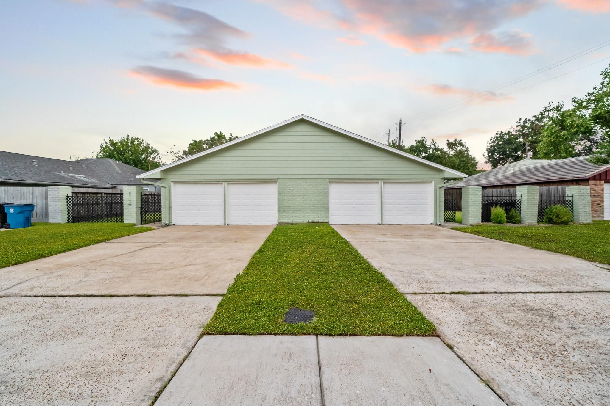 614 Cole Street Property Photo - Webster, TX real estate listing