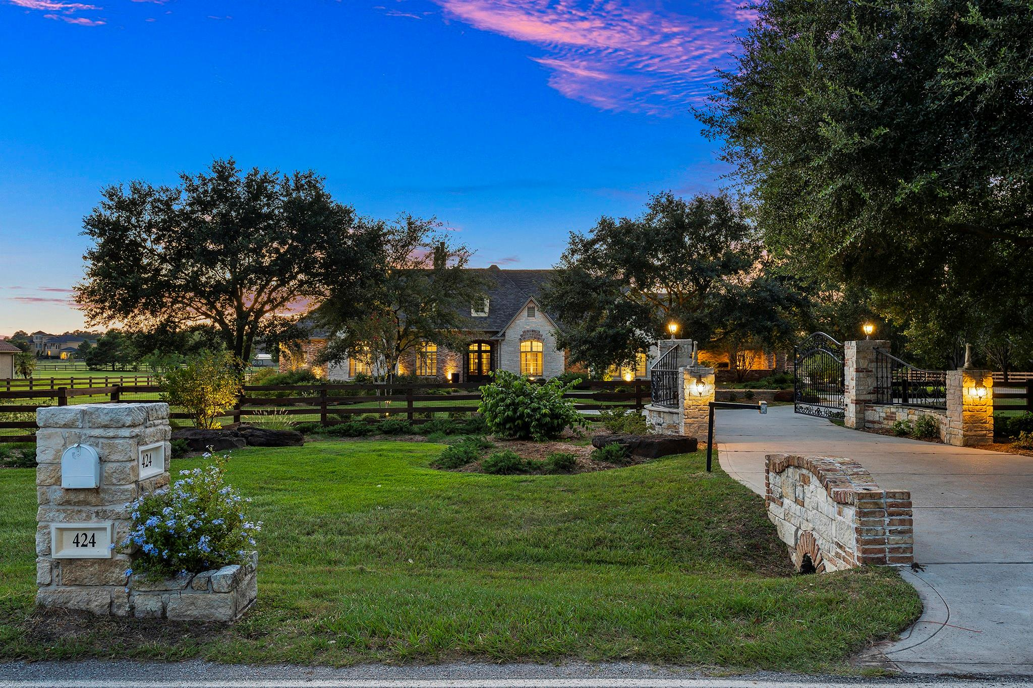424 High Meadow Ranch Drive Property Photo - Magnolia, TX real estate listing
