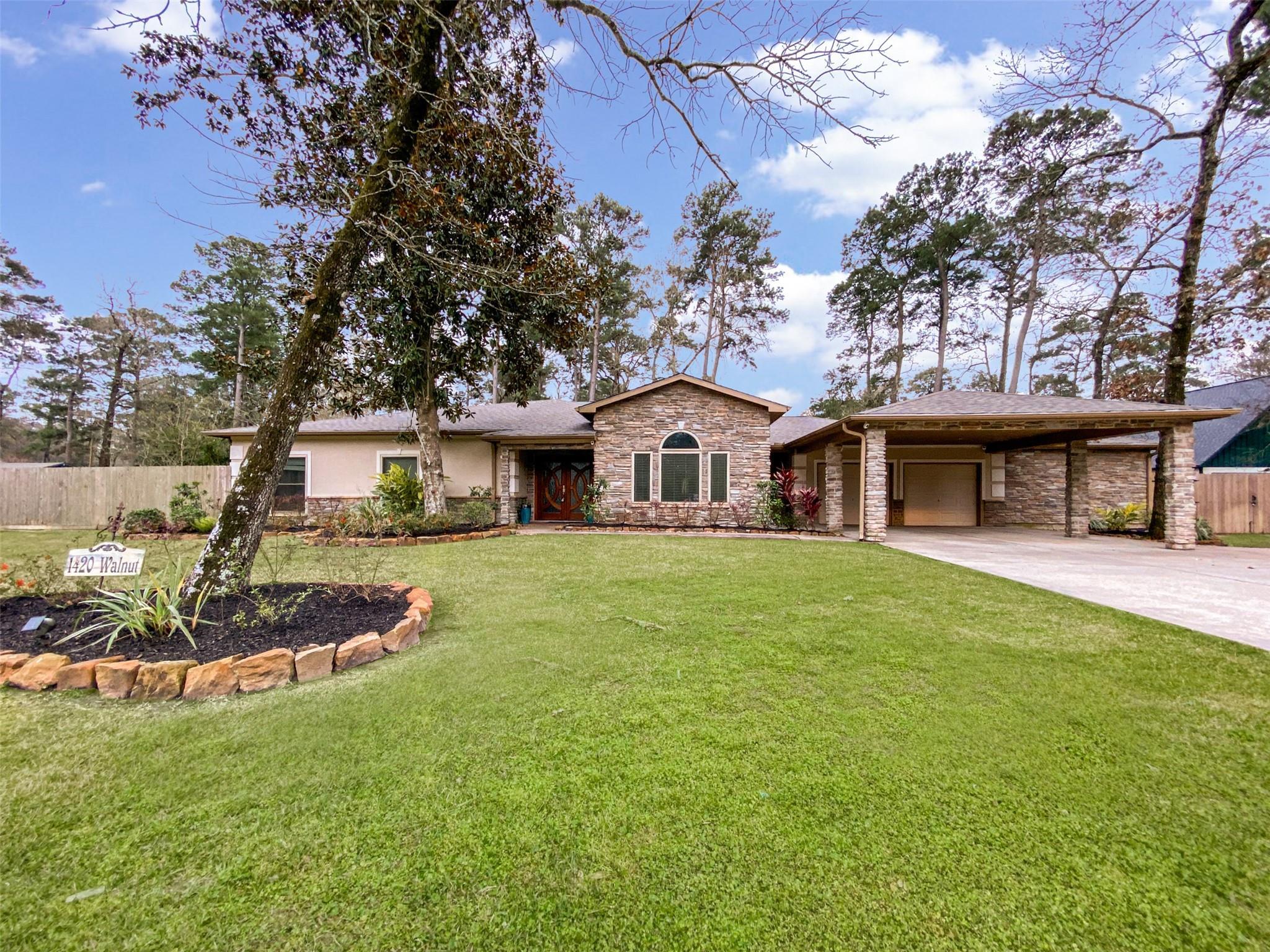 1420 Walnut Lane Property Photo - Kingwood, TX real estate listing