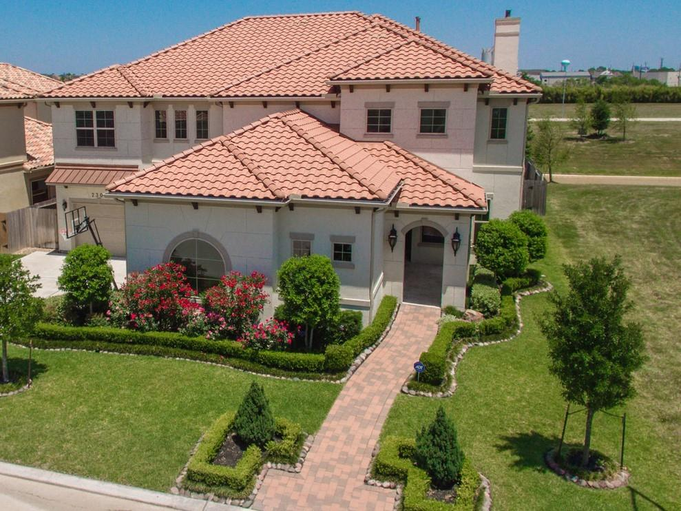 2307 Wyndam Heights Lane Property Photo - Houston, TX real estate listing
