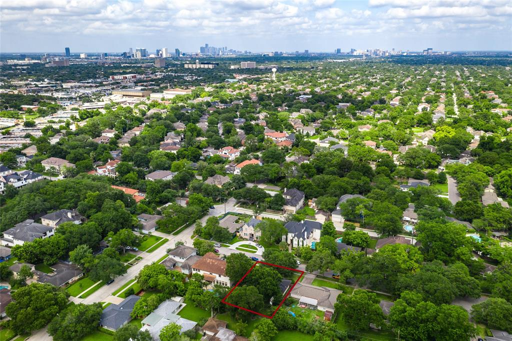 804 Carol Street Property Photo - Bellaire, TX real estate listing