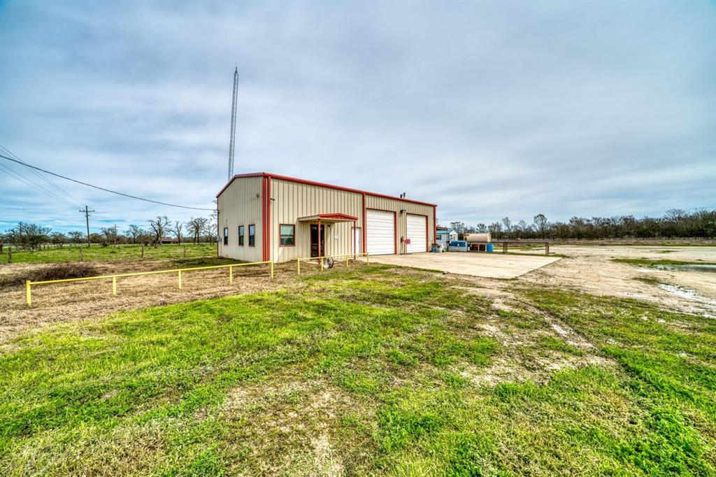 5950 Hwy 79 Property Photo - New Baden, TX real estate listing