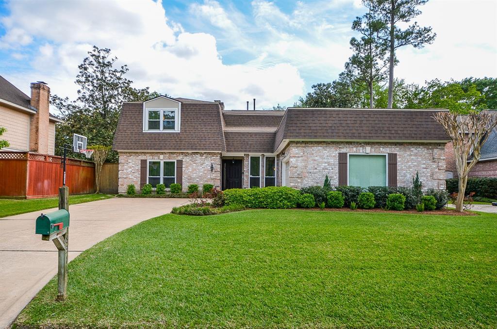 8313 Cedarspur Dr Property Photo - Spring Valley Village, TX real estate listing