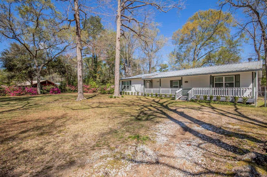 137 Linnwood Drive Property Photo - Woodbranch, TX real estate listing