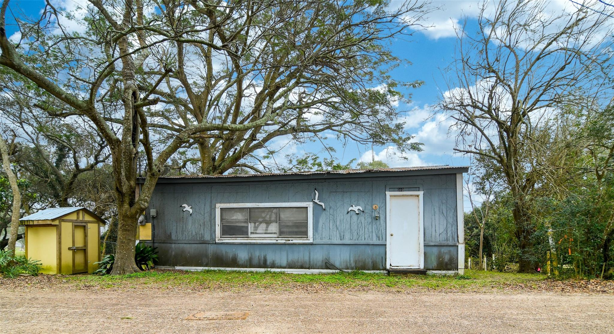 300 Dehart St Property Photo - Liverpool, TX real estate listing