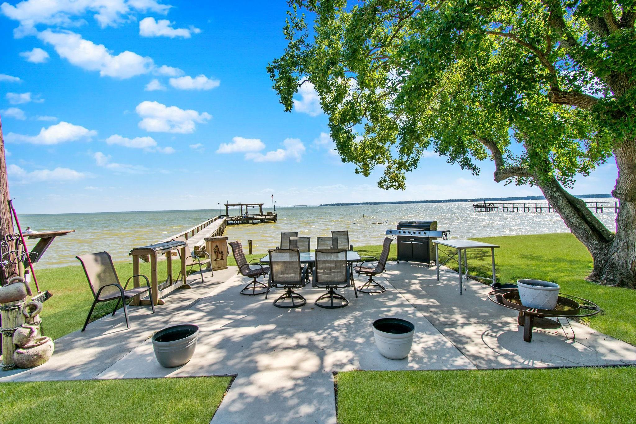 161 Park Road Property Photo - Onalaska, TX real estate listing