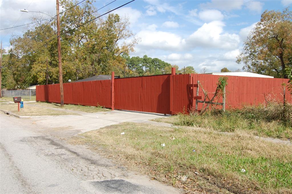 5748 Knox Street Property Photo