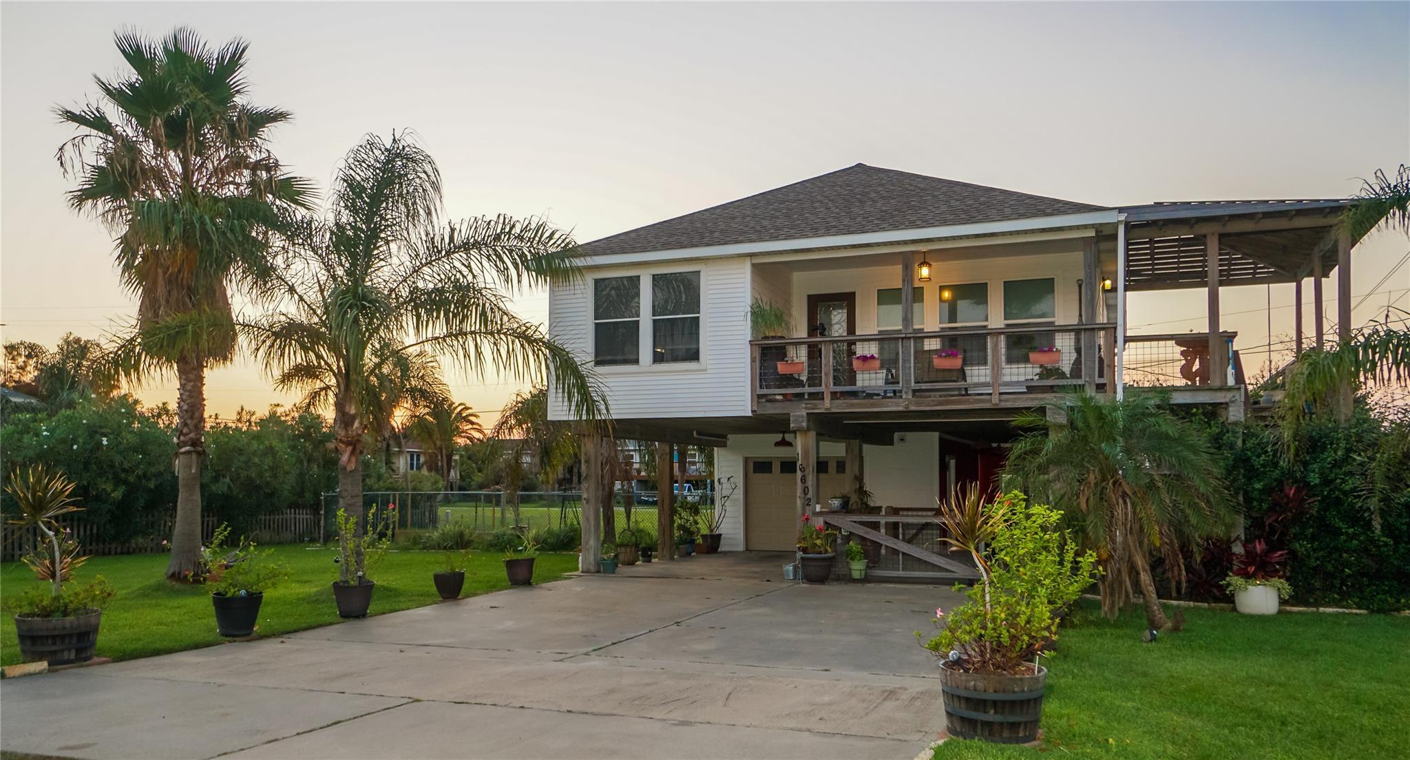 16602 Captain Kidd Road Property Photo - Jamaica Beach, TX real estate listing