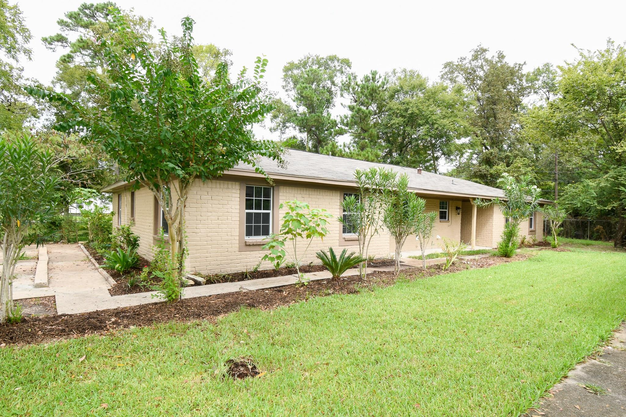 9405 Kentshire Drive Property Photo - Houston, TX real estate listing