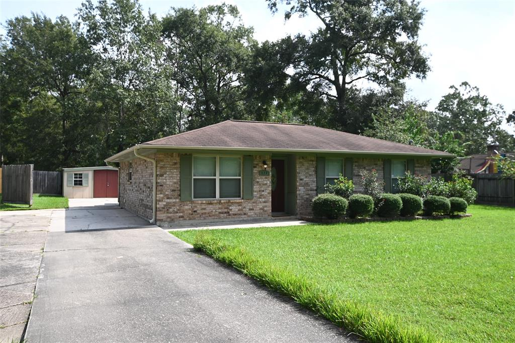 424 Linnwood Drive N Property Photo - Woodbranch, TX real estate listing