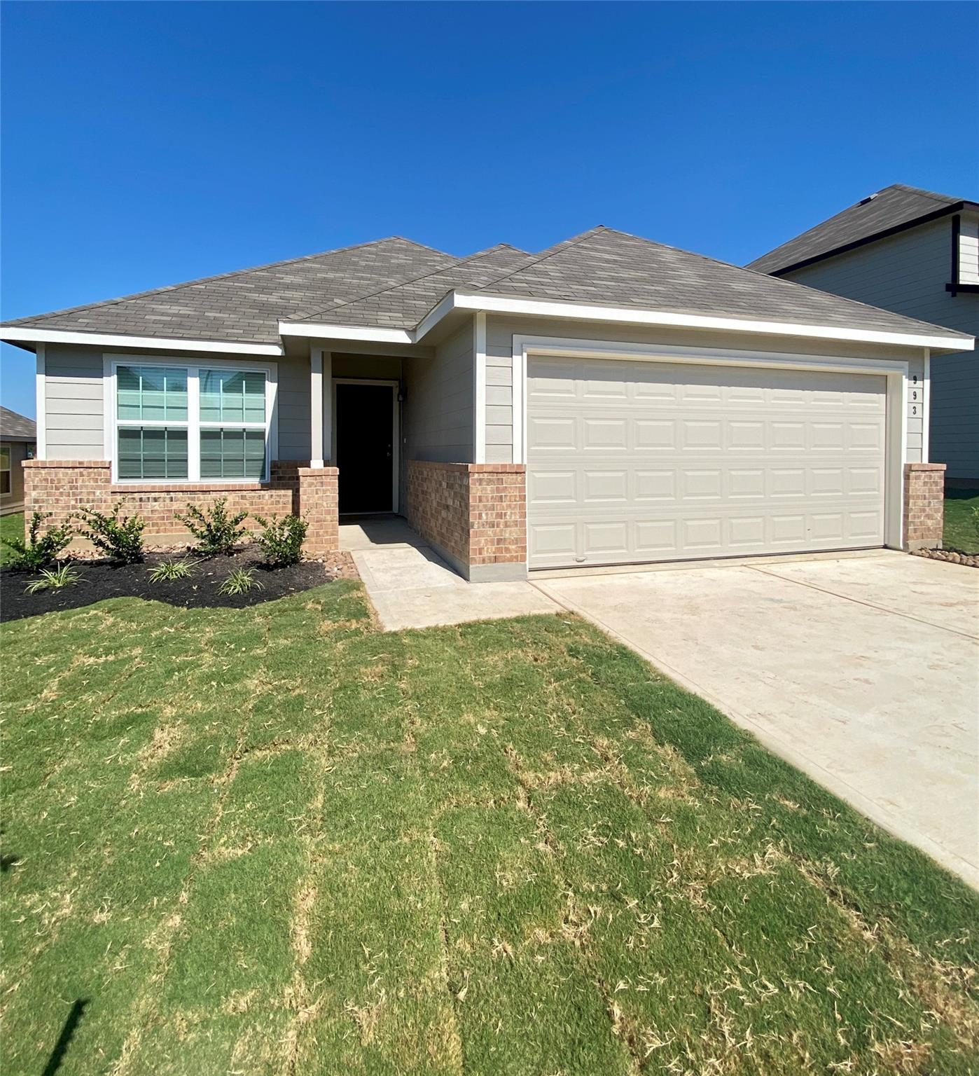 993 Crossing Drive Property Photo - Bryan, TX real estate listing