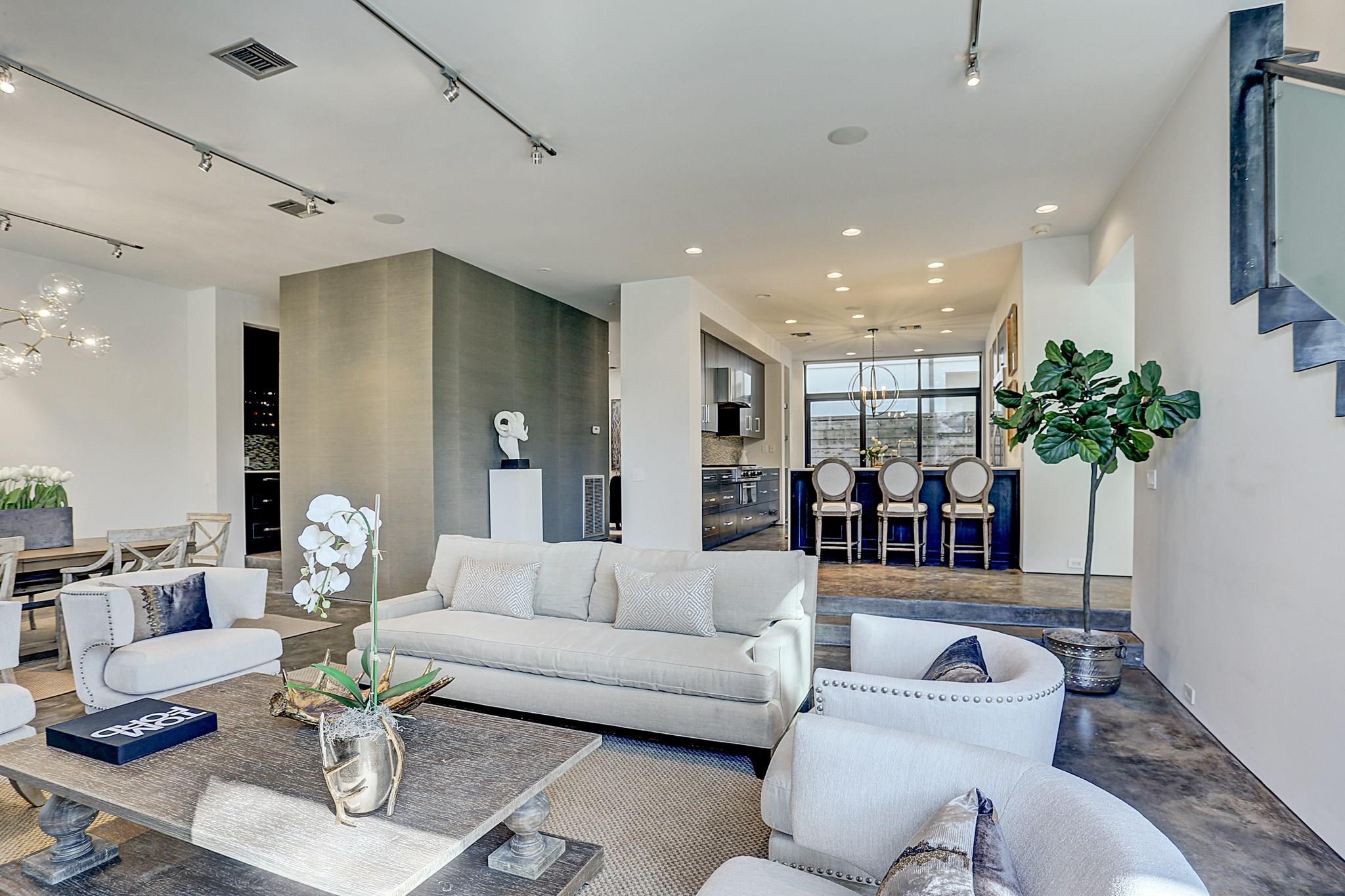 1414 Banks Street Property Photo - Houston, TX real estate listing