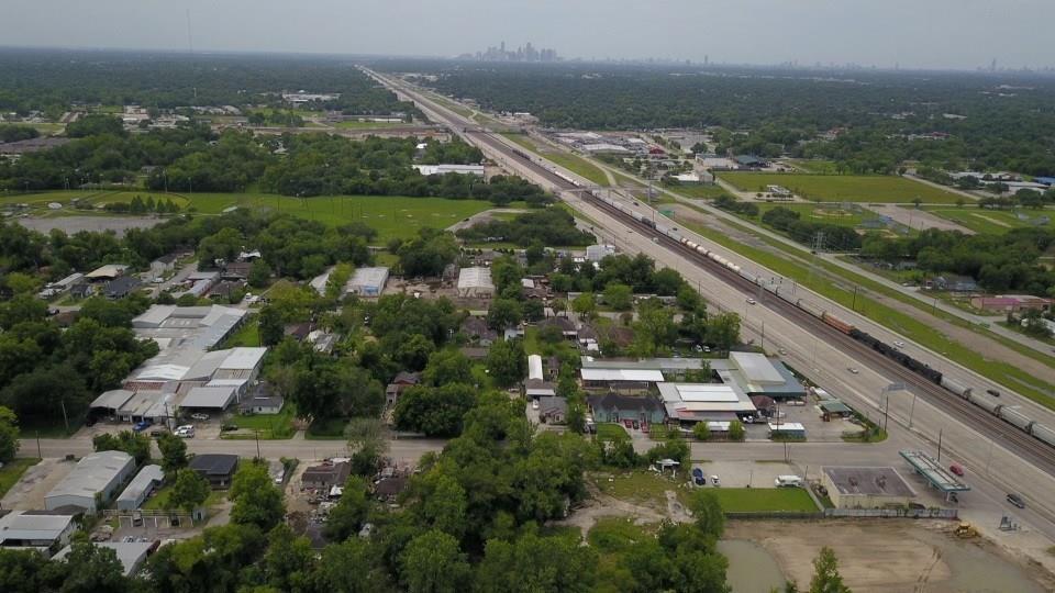 11210 E Hardy Road Property Photo - Houston, TX real estate listing