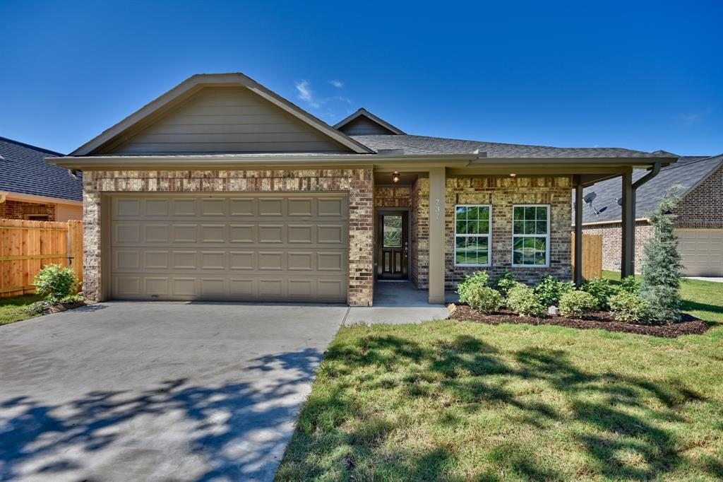 737 High Oaks Drive, Bellville, TX 77418 - Bellville, TX real estate listing