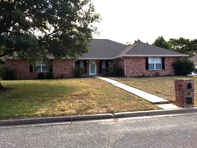 1303 Glenn Alan Drive, Groesbeck, TX 76642 - Groesbeck, TX real estate listing