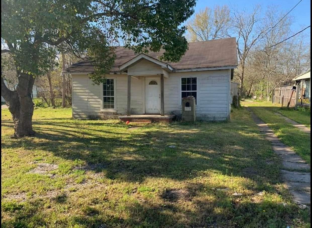 2435 6th Avenue Property Photo - Port Arthur, TX real estate listing