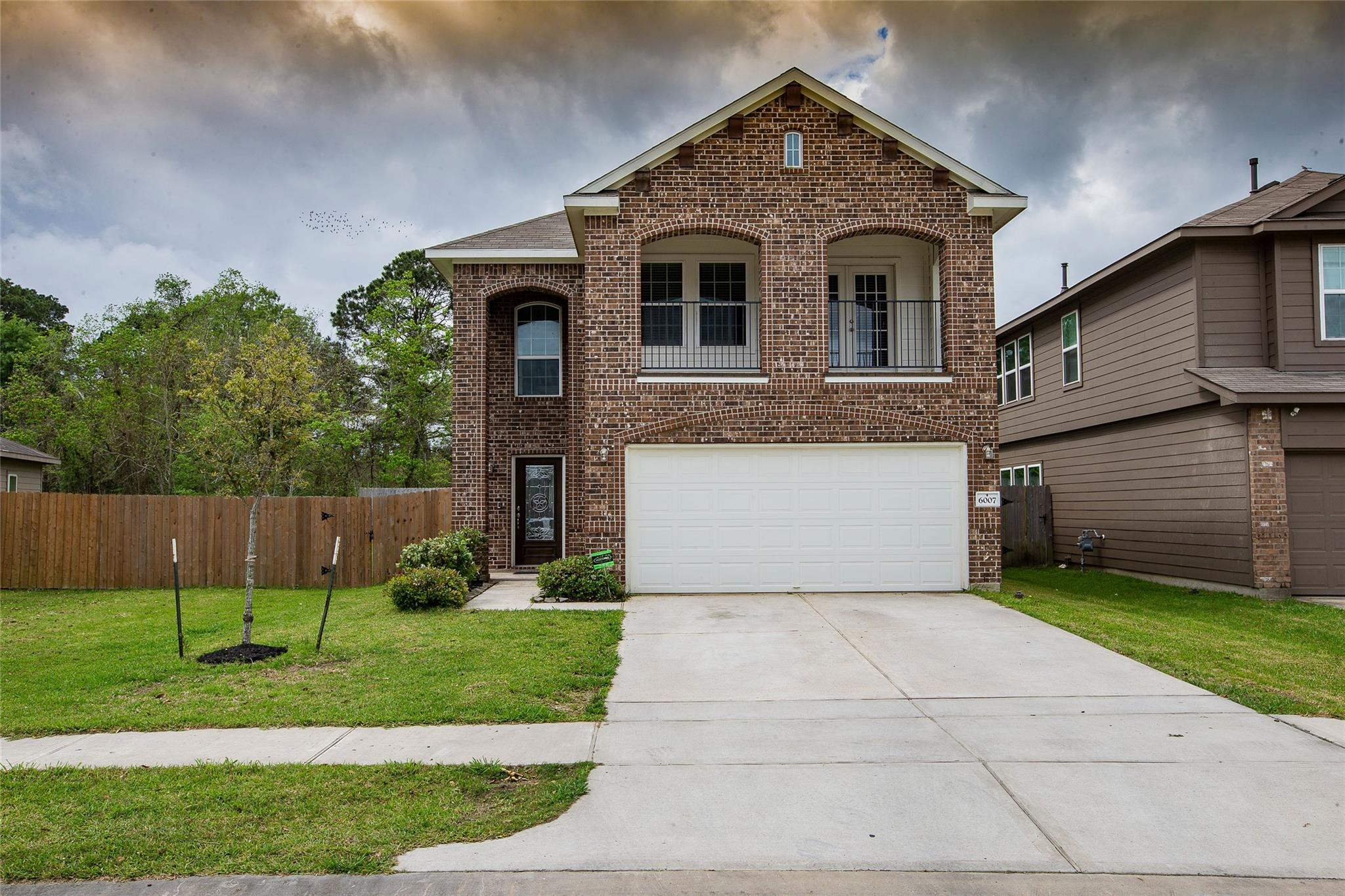 6007 Burnet Bend Avenue Property Photo