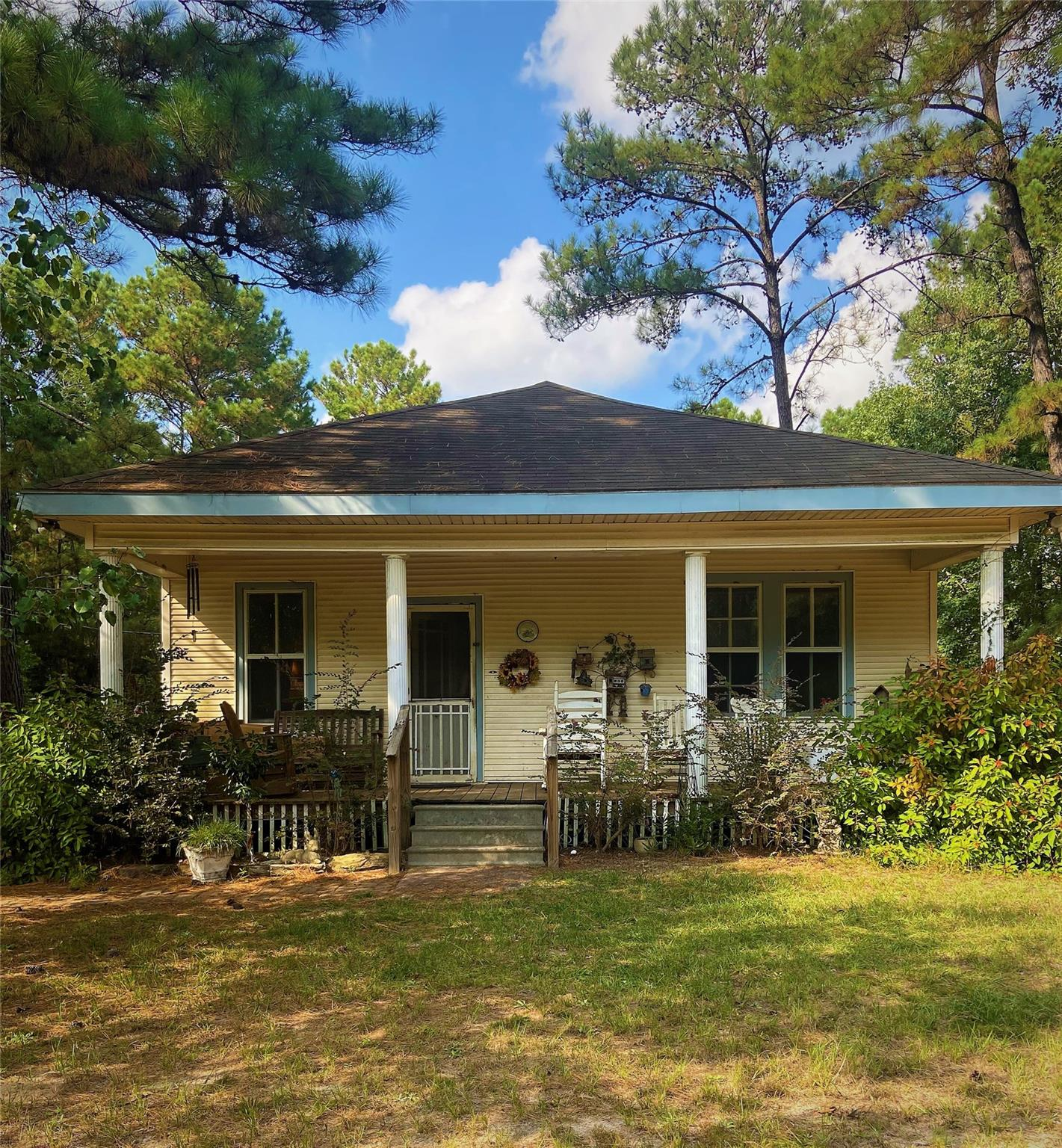 1009 County Road 3251 Property Photo