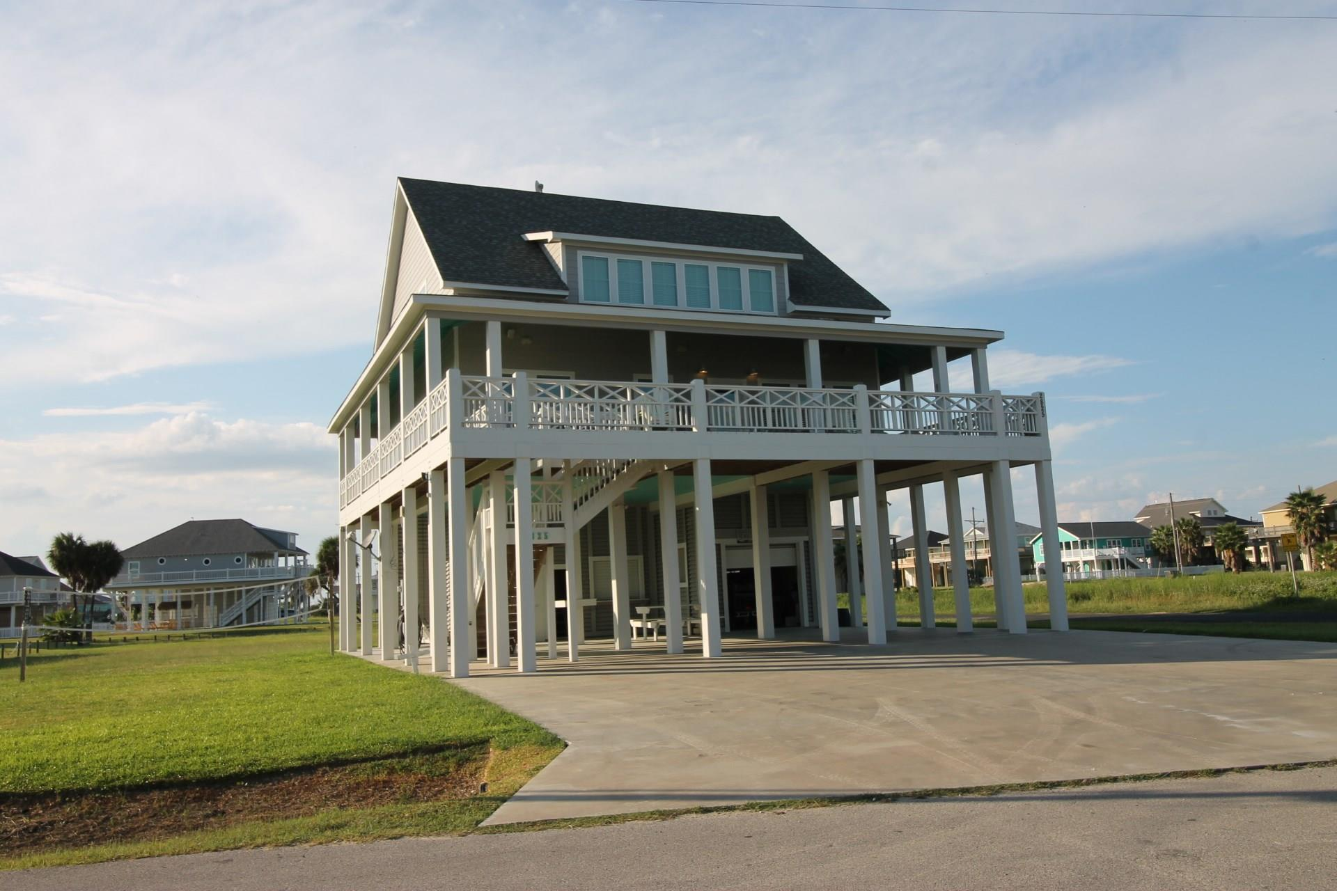 2825 Gulfview Lane Property Photo - Crystal Beach, TX real estate listing