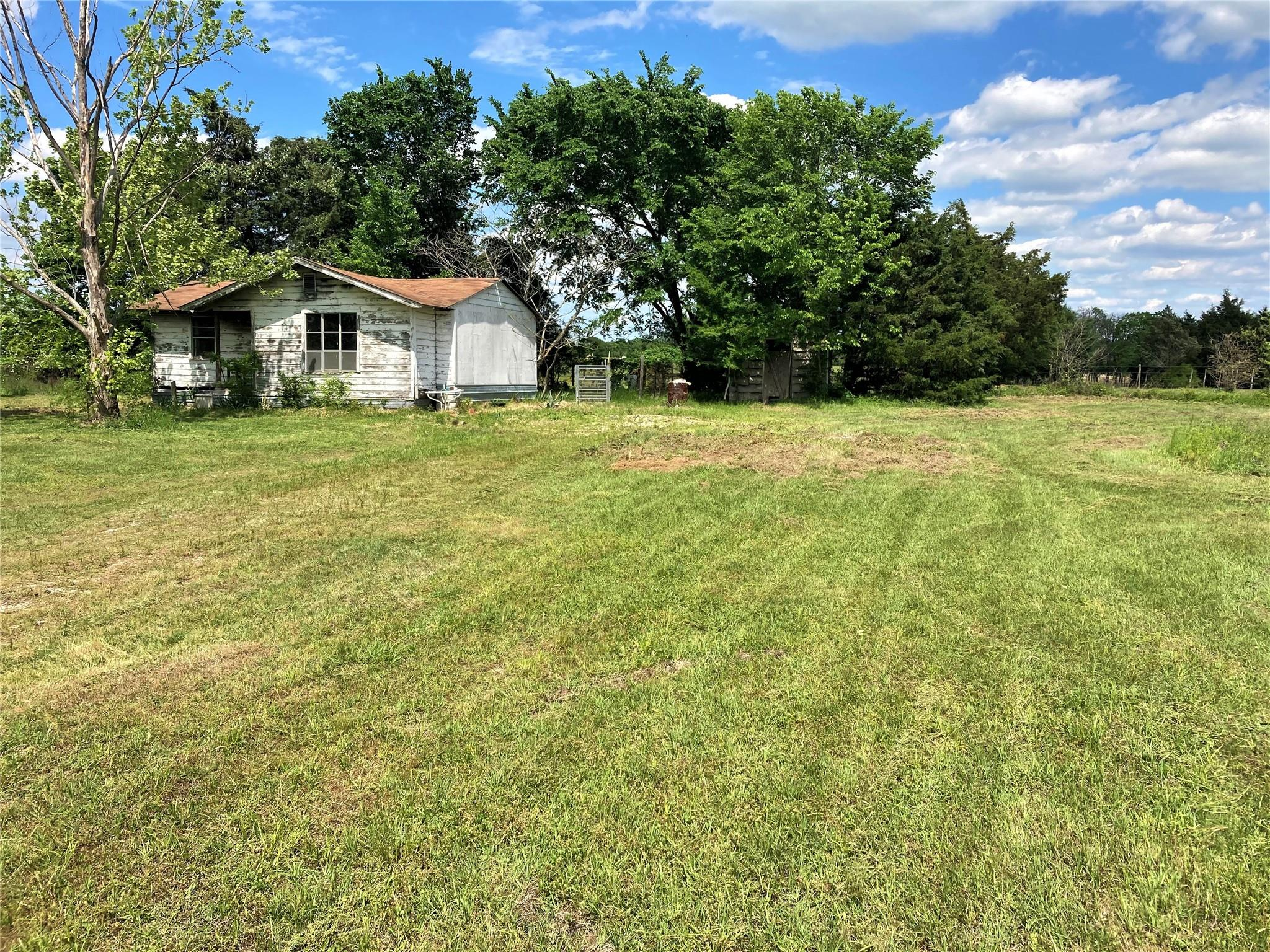 537 F County Road 751 Property Photo - Donie, TX real estate listing