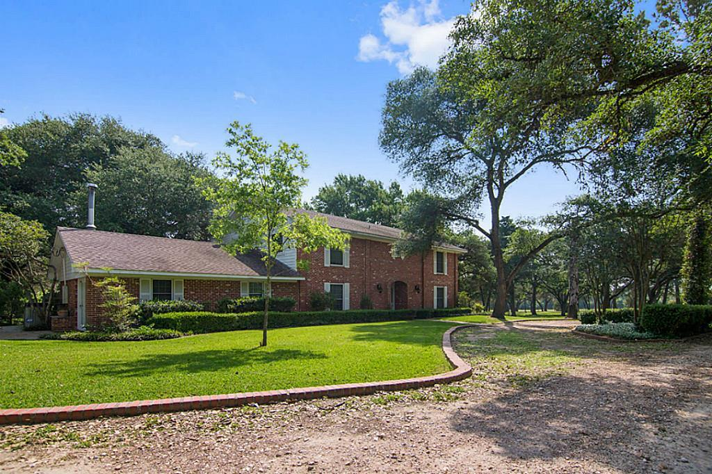438 Marty Road, Schulenburg, TX 78956 - Schulenburg, TX real estate listing