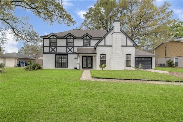 2604 N Woodloch Street Property Photo - Woodloch, TX real estate listing