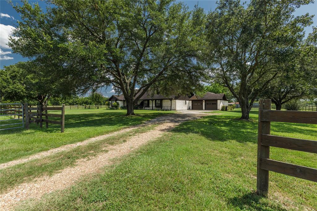 13411 Lake Road Property Photo