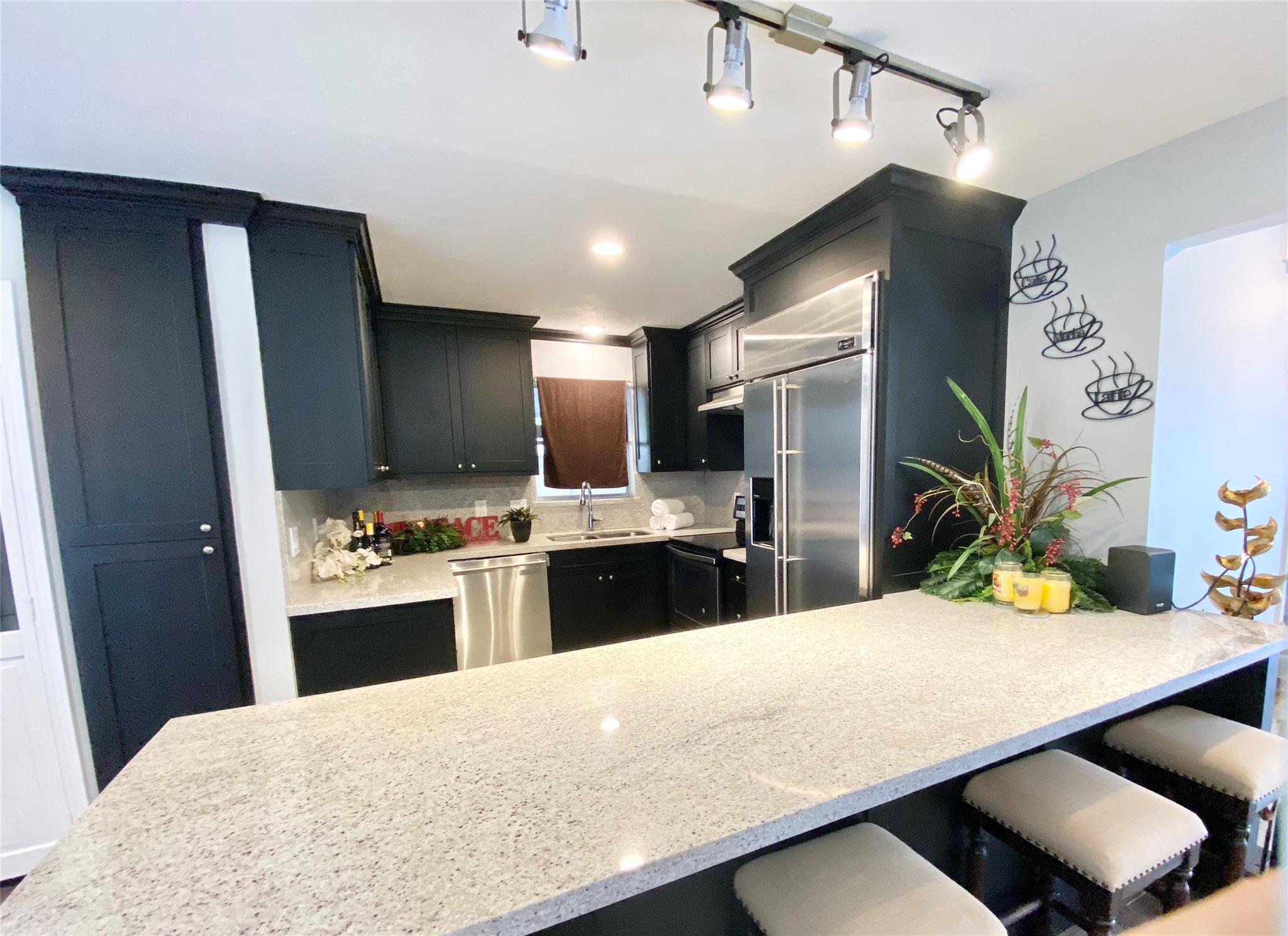 9215 Sharpcrest Street Property Photo