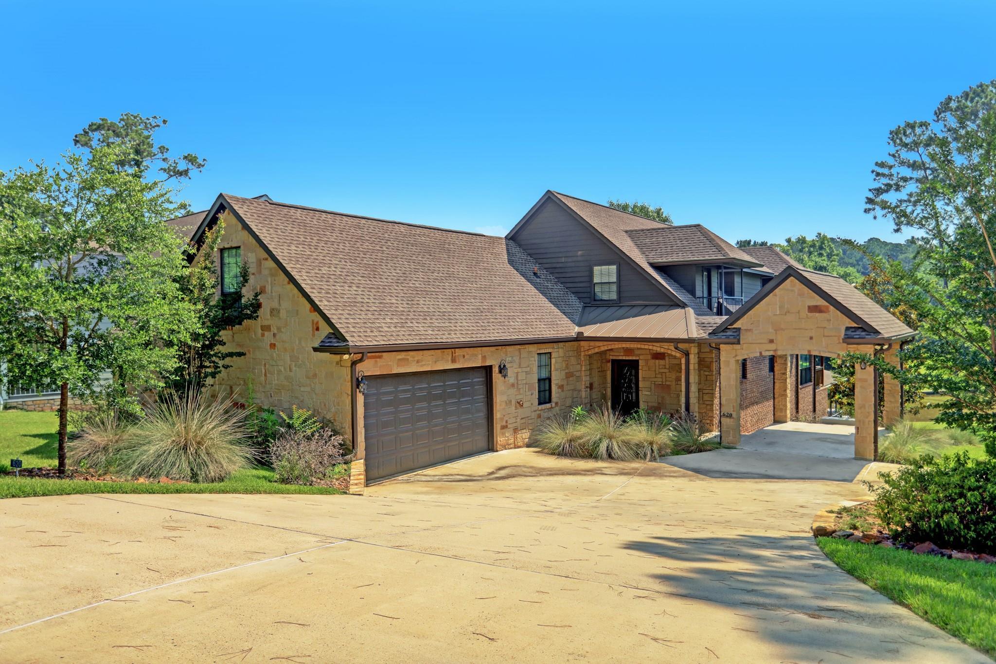 620 Lake Grove Drive Property Photo