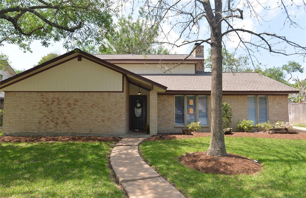 1511 Lake Bank Court, El Lago, TX 77586 - El Lago, TX real estate listing