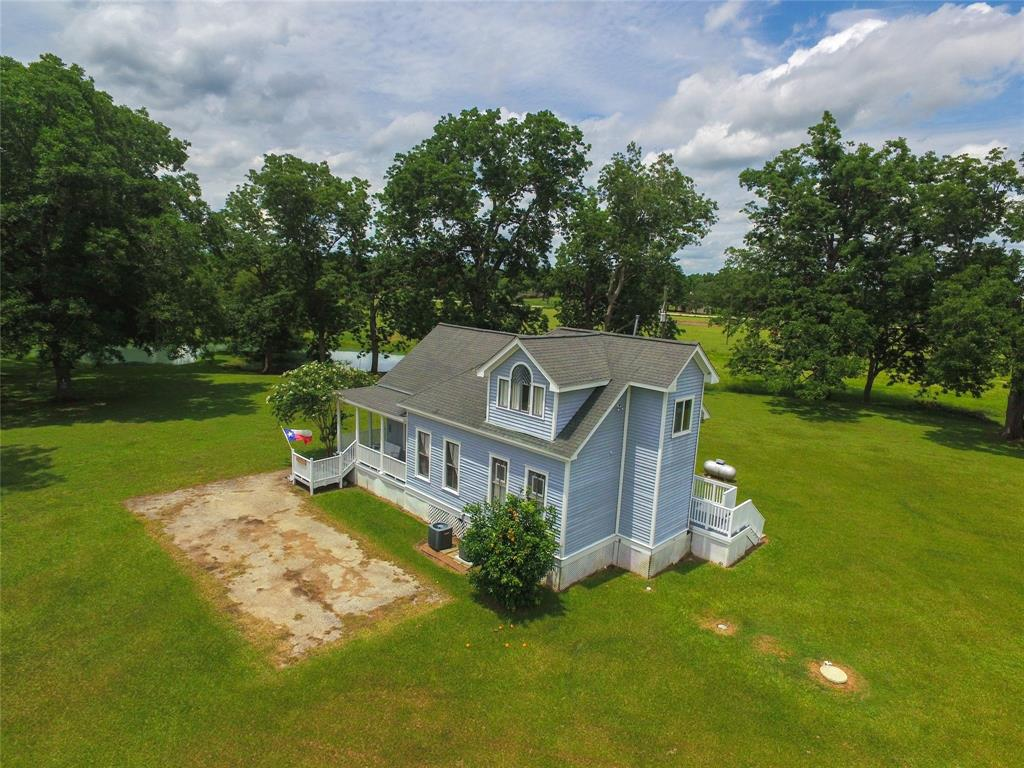 9701 County Road 160 Property Photo - Boling, TX real estate listing