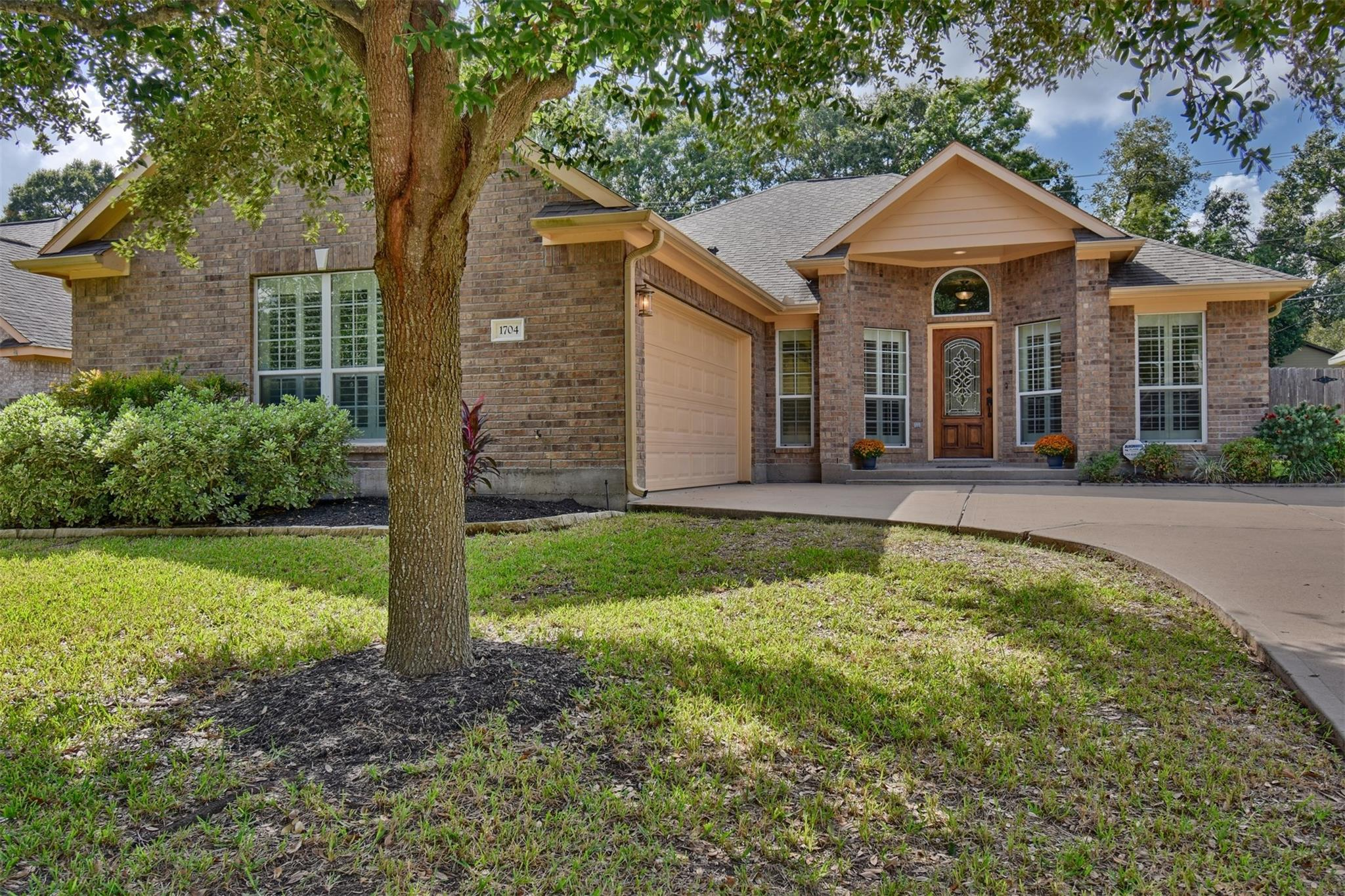 1704 Ruth Circle Property Photo - Brenham, TX real estate listing