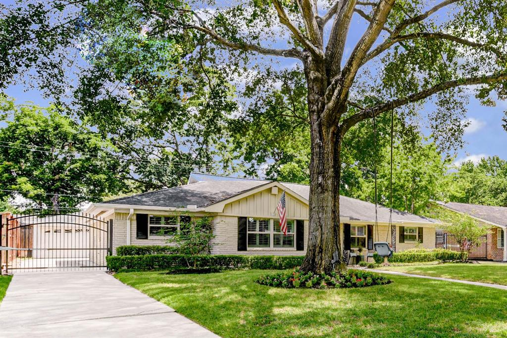 6914 Alderney Drive Property Photo - Houston, TX real estate listing