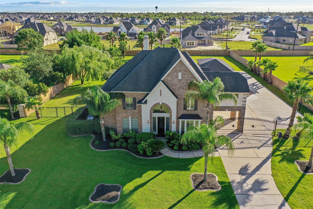 3949 Pebble Brook Drive Property Photo - League City, TX real estate listing