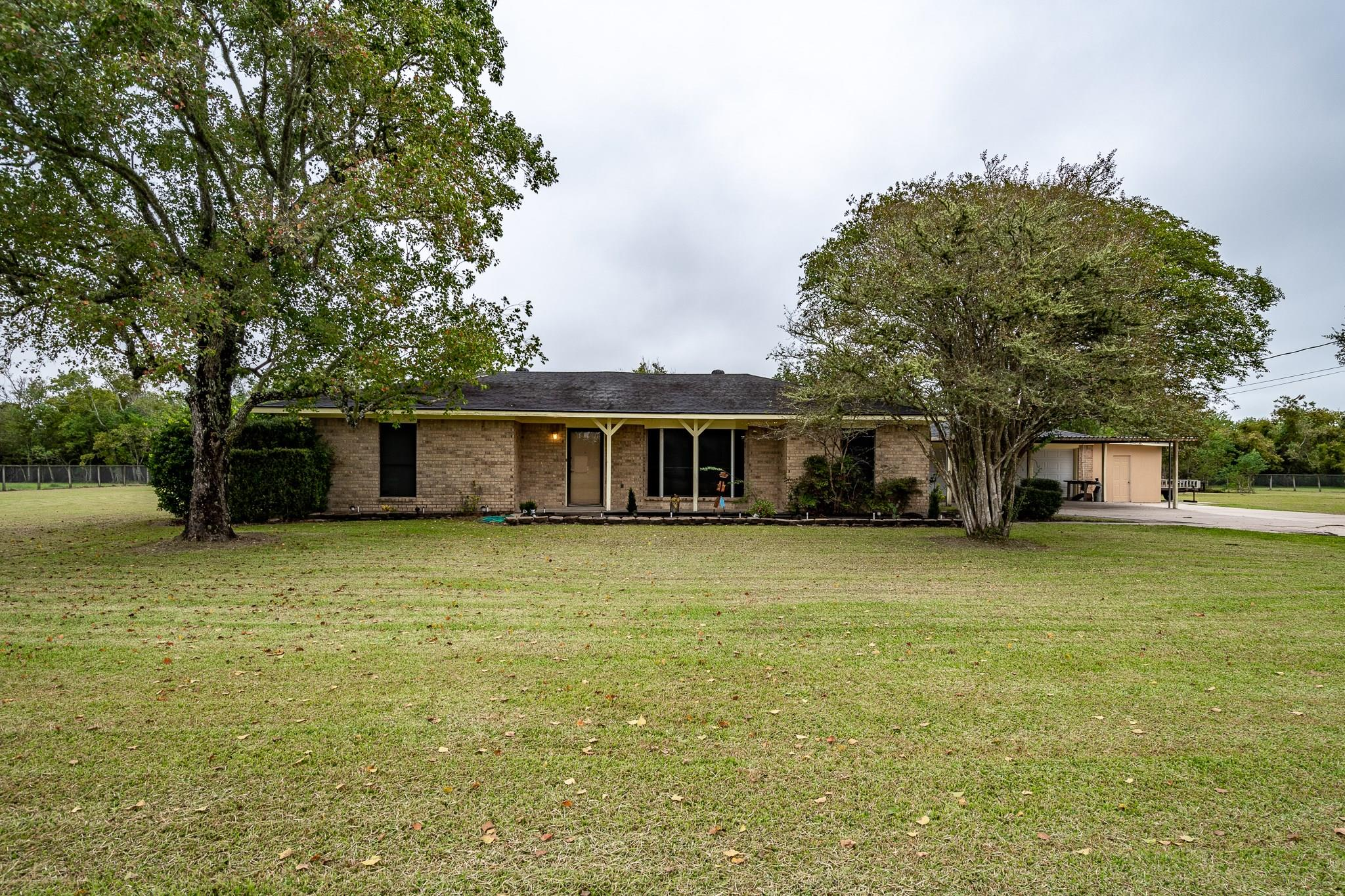 8503 Beach Haven Road Property Photo - Beach City, TX real estate listing