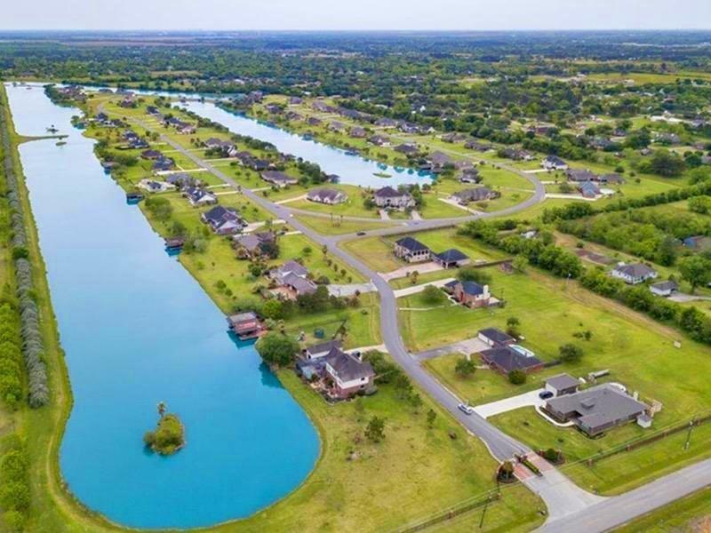 107 Lago Circle Drive N, Santa Fe, TX 77517 - Santa Fe, TX real estate listing