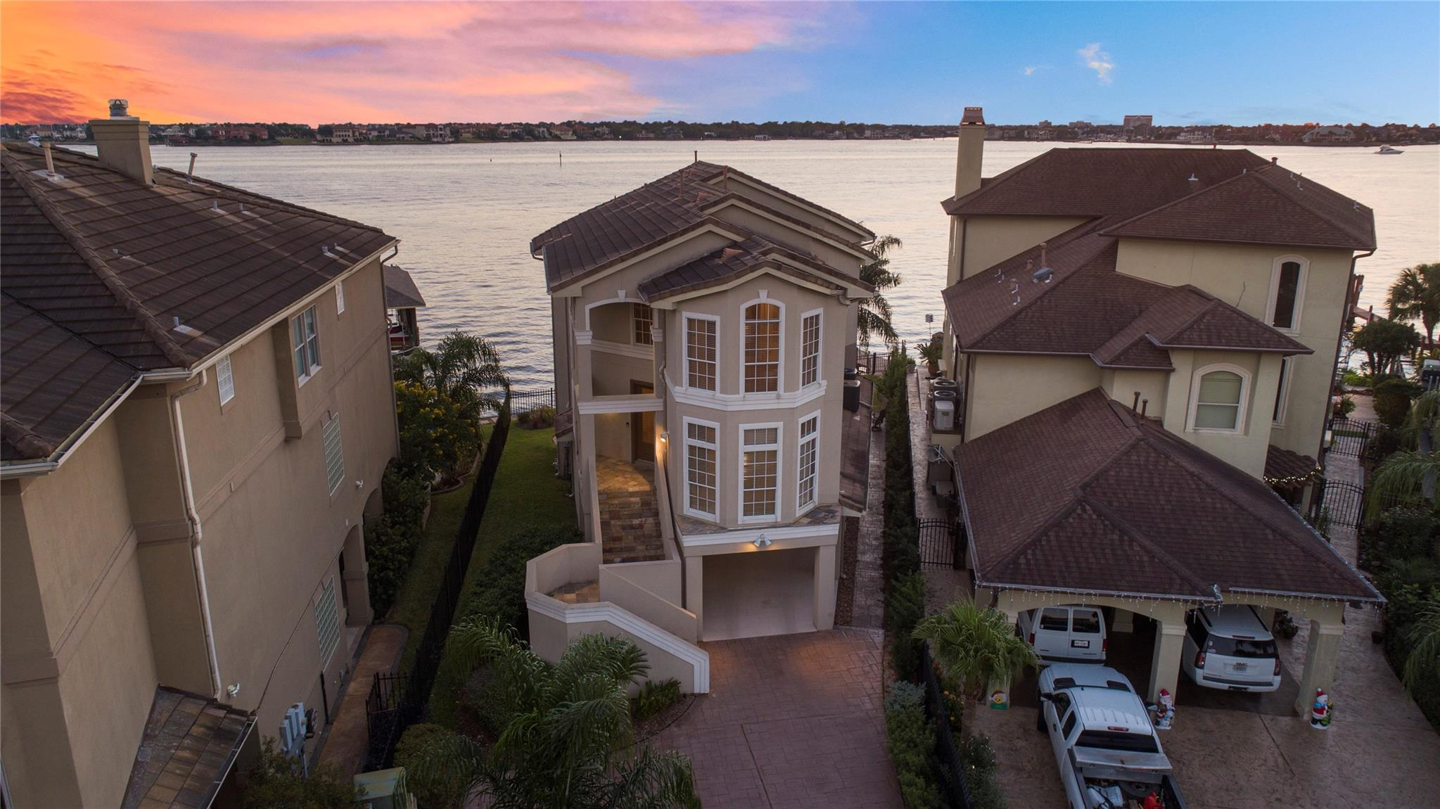 3011 Dolphin Court Property Photo - Seabrook, TX real estate listing