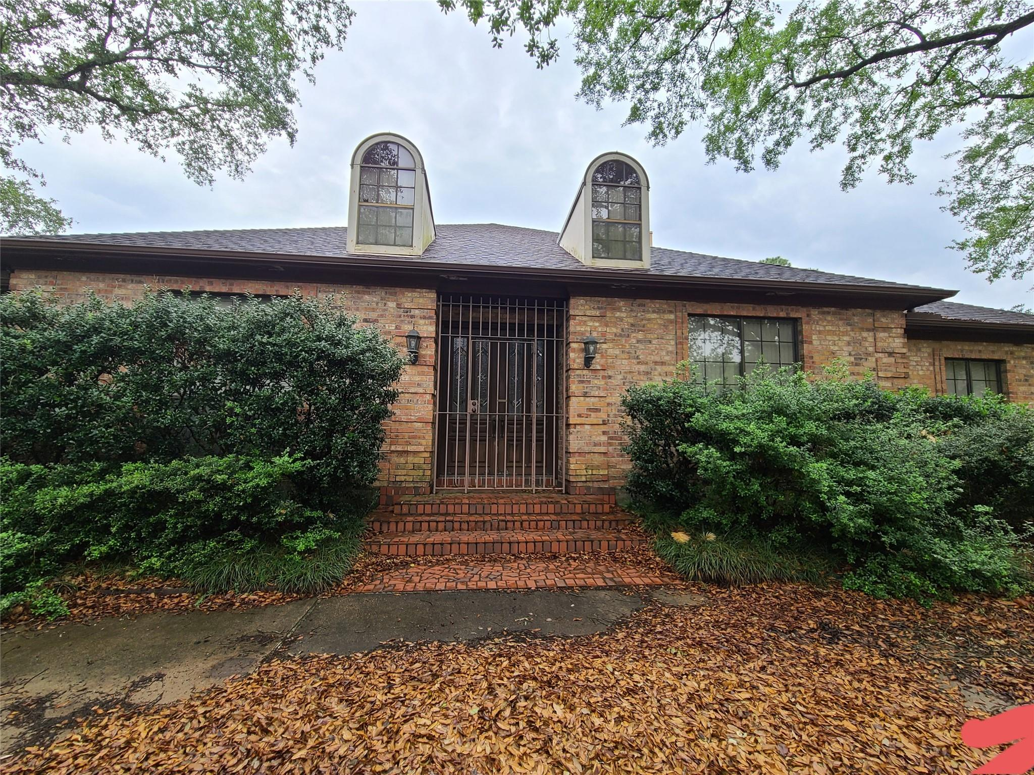 8102 Meadow Crest Street Property Photo