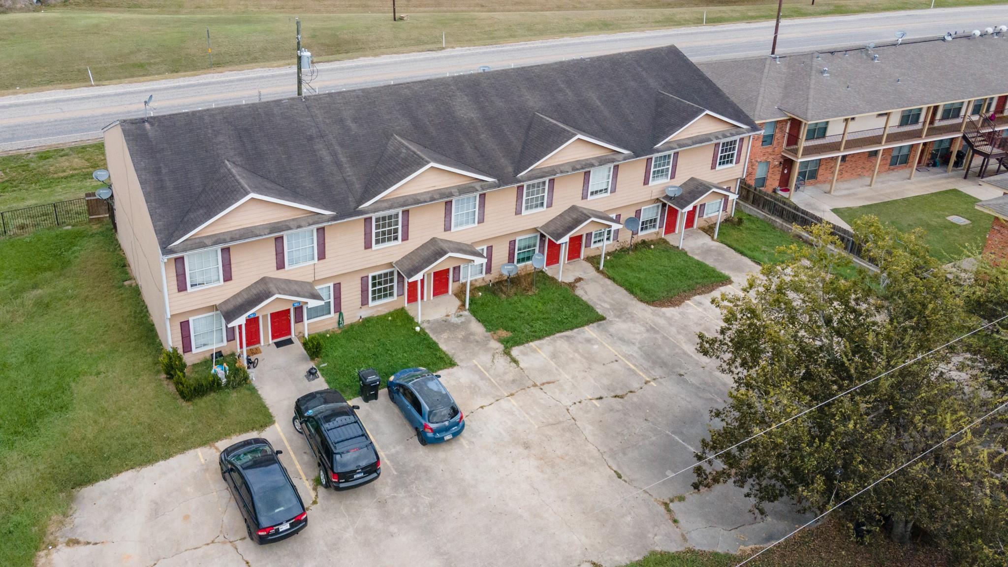7522 Highway 60 Property Photo - Wallis, TX real estate listing