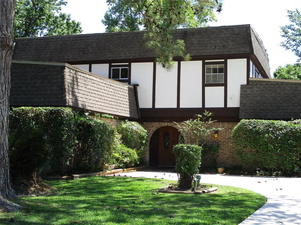 604 Sycamore Property Photo